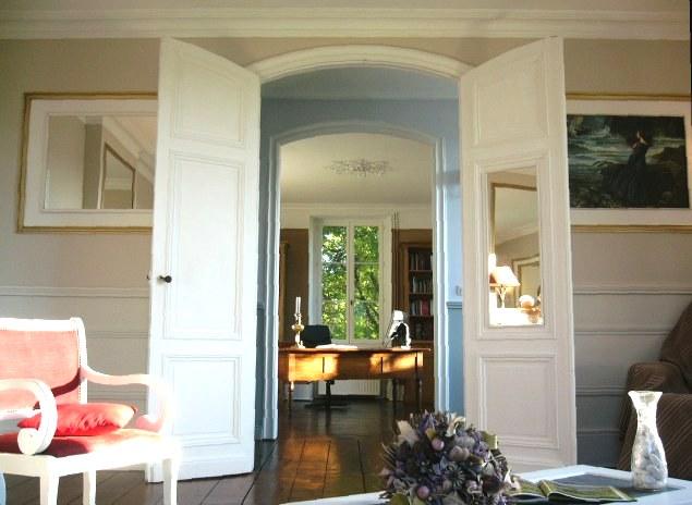 propos ch teau vendre au bord du lot sud ouest. Black Bedroom Furniture Sets. Home Design Ideas